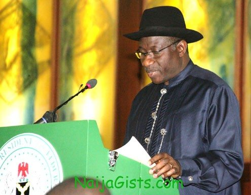 President Goodluck Jonathan removes fuel subsidy