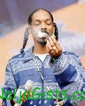 snoop dogg sued for smoking weed