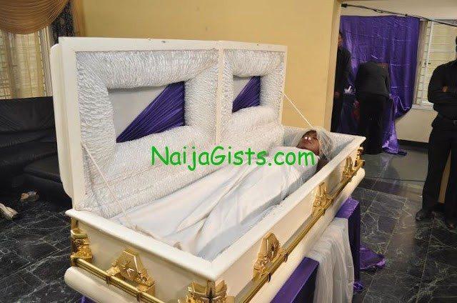 funke akindele corpse in a coffin