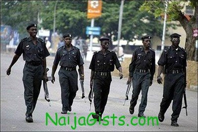 nigerian police shoots colleagues