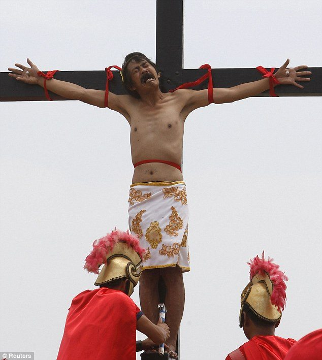 Christians Nailed to Crosses in Philippines on Good Friday - Graphic Photos
