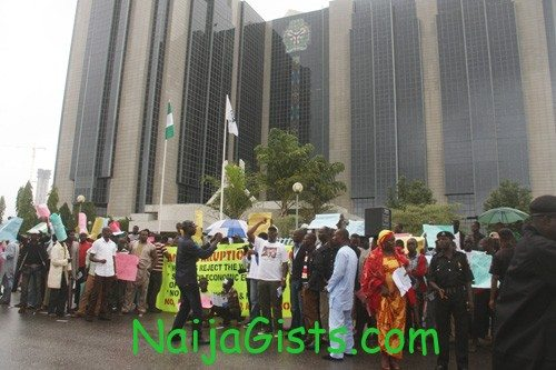 n5000 note protest