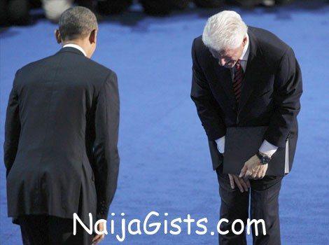 bill clinton bows to obama