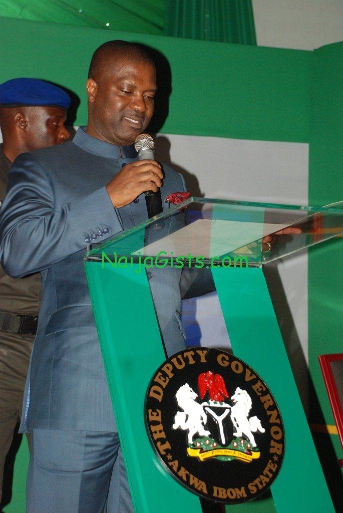 akwa ibom state deputy governor resigns
