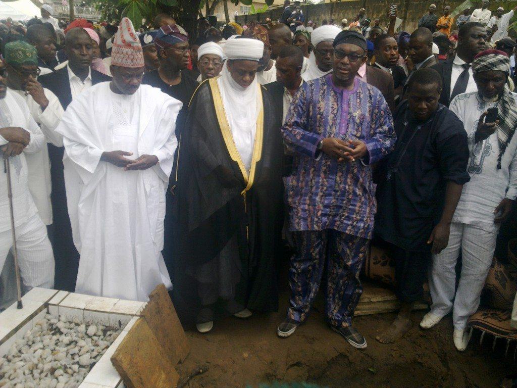 Lateef adegbite's grave