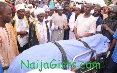 lam adesina burial
