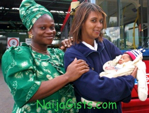 nigerian woman delivered baby on the bus