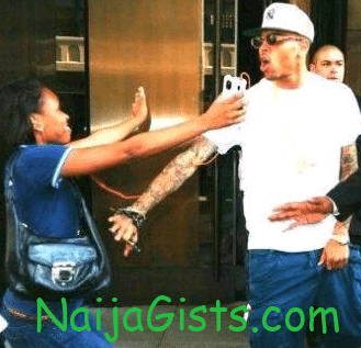 lady hug chris brown lagos