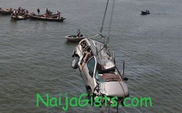 vehicle falls into lagoon lagos