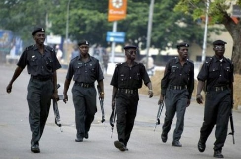 armed youths shoot policemen patrol delta state