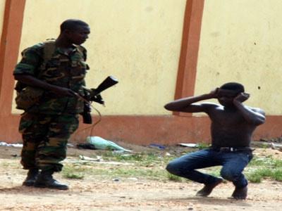 nigerian soldier order civilian frog jump mushin lagos