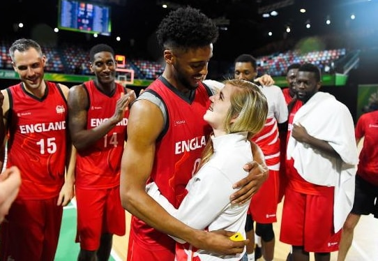 england basketballer jamell anderson proposes girlfriend