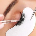 can eyelash glue damage your eyes