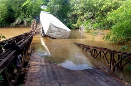 cement truck destroyed bridge imo state