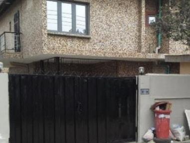 landlord locks tenant up ilupeju lagos