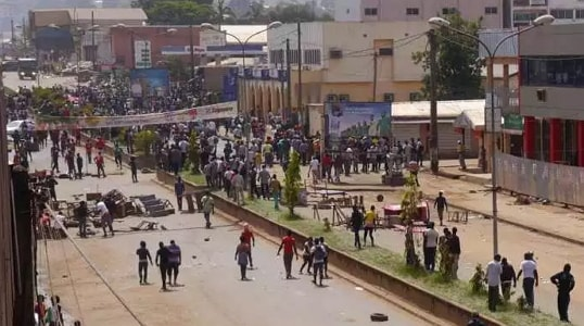 nigerian traders flee cameroon civil war
