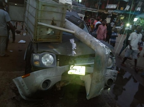 pole crushes car benin city edo state