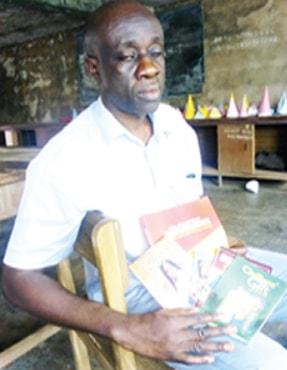 blind nigerian teacher write 16 books