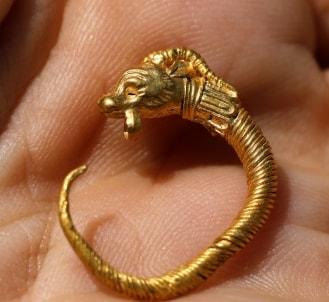 2000 year old golden earring israel