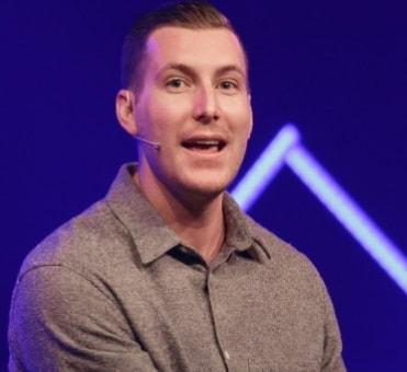 pastor commits suicide california
