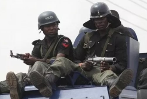 2 mopol shot dead robbers kaduna
