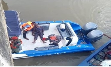 man jumped into lagoon third mainland bridge