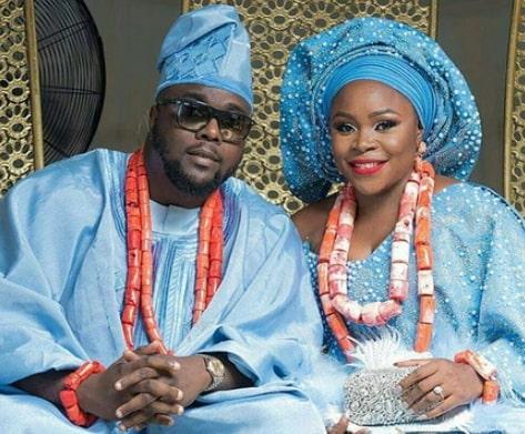 omawumi white wedding photos