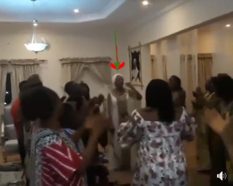ooni of ife wife singing praise and worship