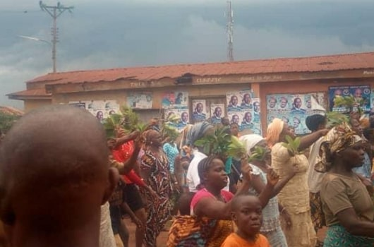 residents chase ekiti king out of town