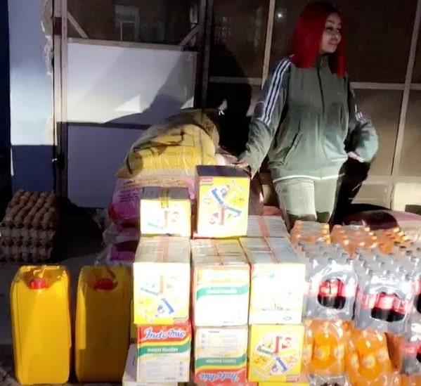 blac chyna donates coke fanta orphanage home lagos
