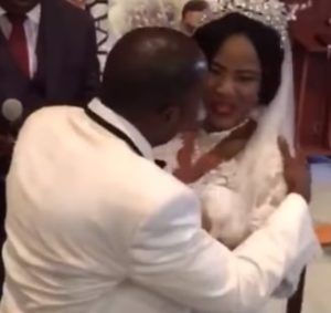 bride refuses kiss groom wedding day