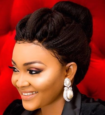 mercy aigbe exposes boobs