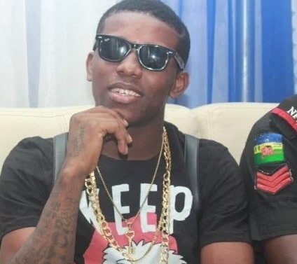 small doctor arrested gun shoot police