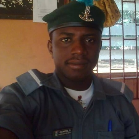 customs officer shot rice smugglers
