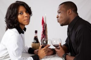 Going On First Dates? Here Is What To Talk About (13 First Dates Do's and Don'ts)