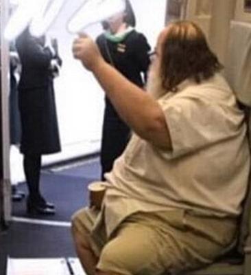 obese american passenger humiliate taiwanese flight attendants