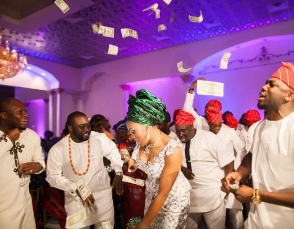money spraying nigerian weddings