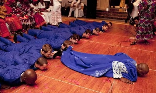 yoruba wedding prostration