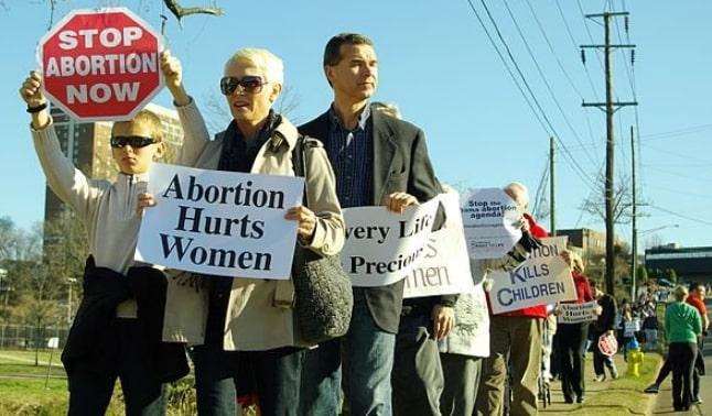 alabama bans abortion