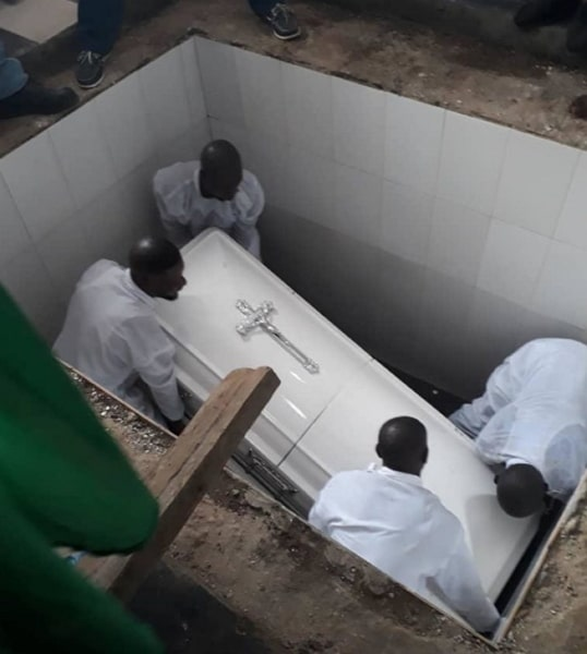 olatoye sugar burial pictures