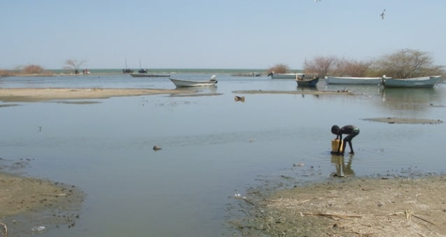 why is lake chad drying up