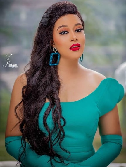 how old is adunni ade