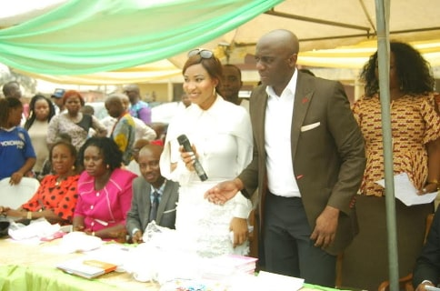 nigerians donating celebrity owned organizations
