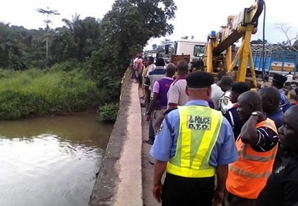bus plunges into river ogun state