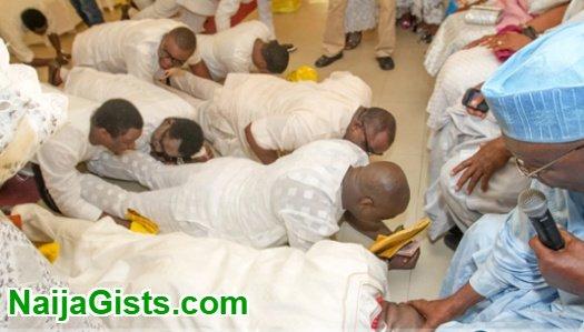 nigerian greeting customs