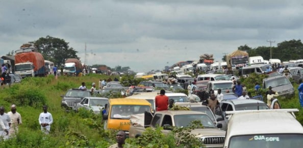 police kills driver bribe kaduna abuja expressway