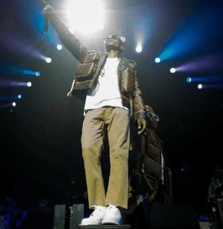 wizkid wears 2million naira jacket