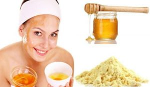 Fade Acne Scars Naturally With This Simple Homemade Honey Face Mask