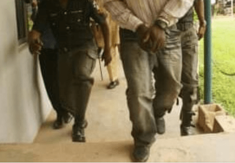 nigerian police inspector commits suiide