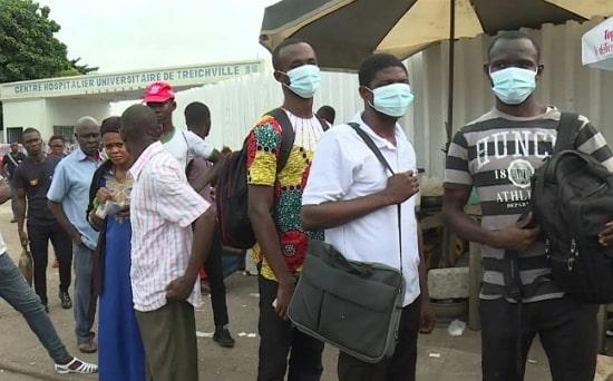 nigerians flee cote d ivore